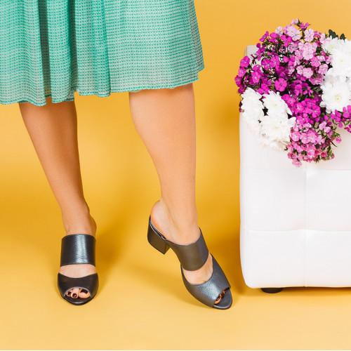 Шлепанцы кожаные на среднем каблуке 6 см