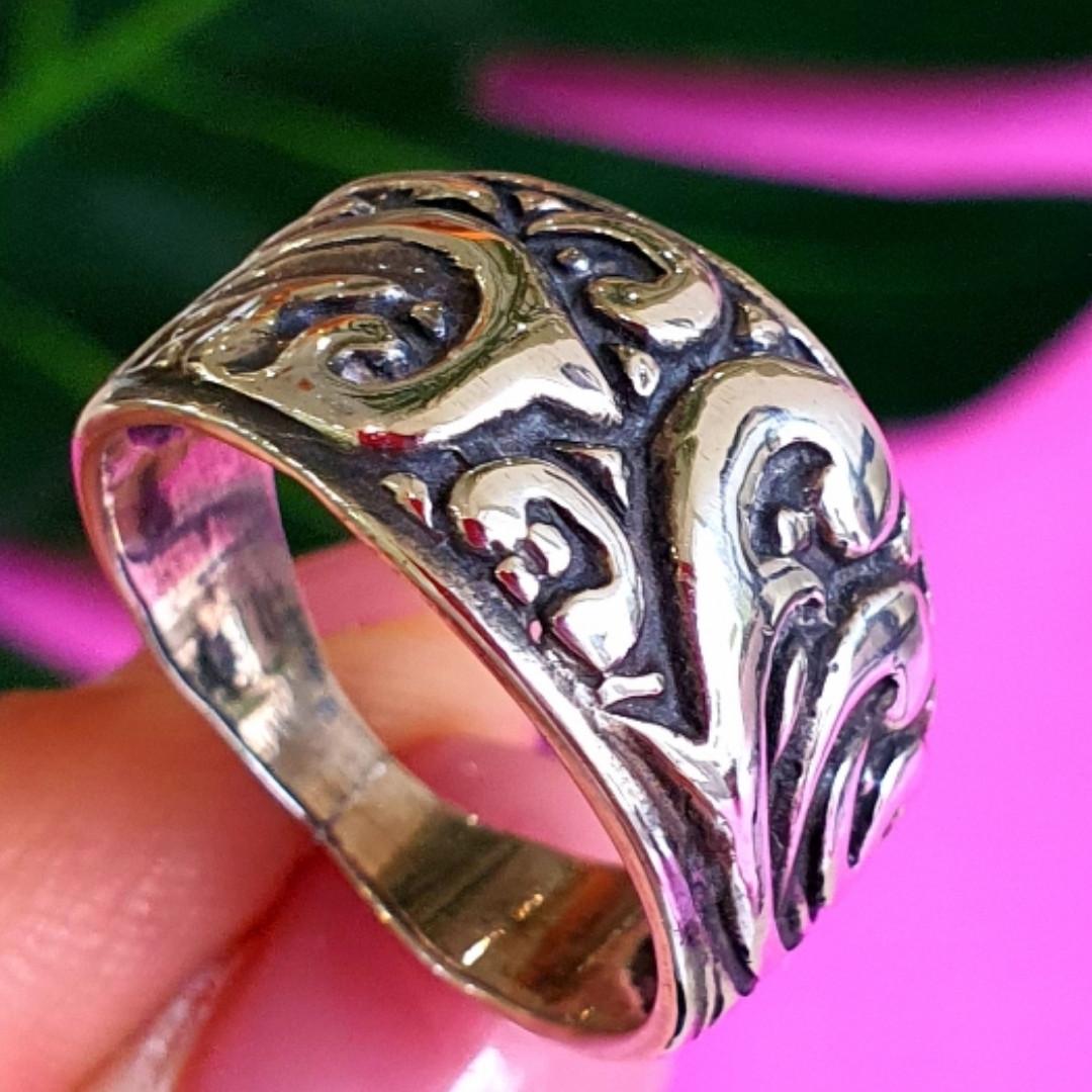 Серебряное кольцо без камней - Женское кольцо из серебра с узором