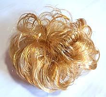 Гумка зі штучного волосся 12 см світло русявий