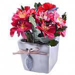 Композиція із штучних квітів 251