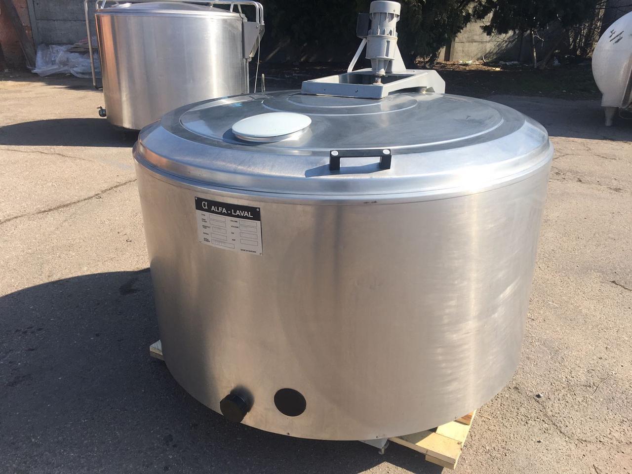 Охолоджувач молока / Охолоджувач молока Б/У ALFA LAVAL 800 Л