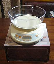 Ваги кухонні електронні з чашею D&T DT-01 (до 5 кг)