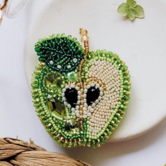 Набор для вышивки бисером украшения Зеленое яблоко