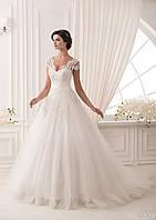 Женственное свадебное платье с открытой спиной и ажурными рукавчиками