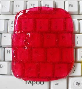 Гель-липучка для чистки клавиатуры и техники Красная