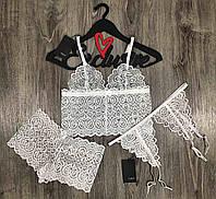 Білий мереживний комплект нижньої білизни бюстгальтер-браллет+труси-шорти+пояс для панчіх.