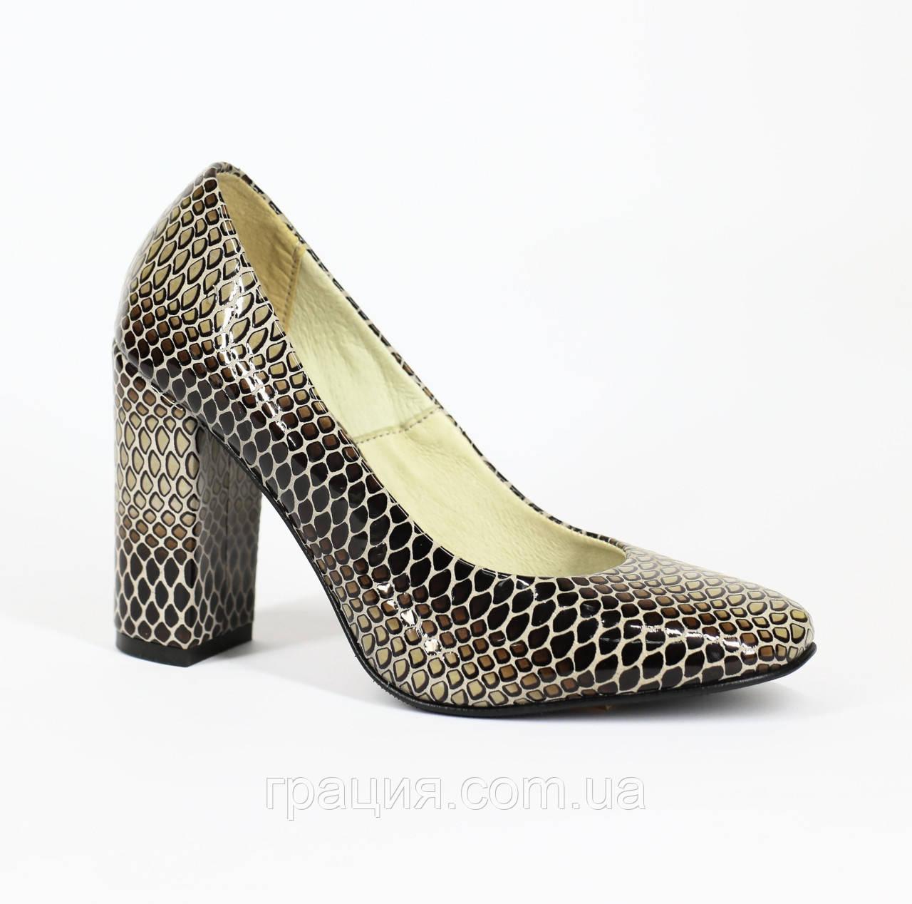 Туфли лаковые женские из натуральной кожи на каблуке