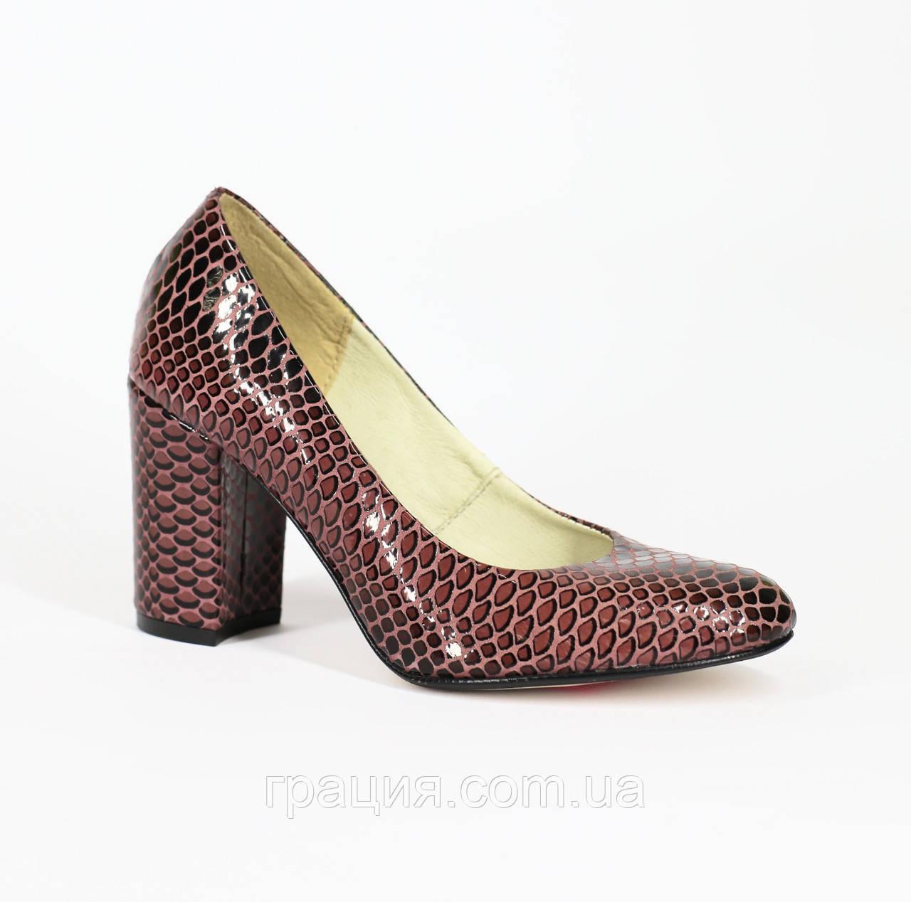 Туфли лаковые женские натуральные на каблуке
