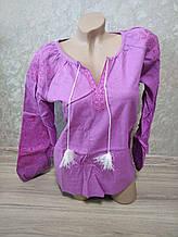 Женская розовая вышиванка с вышивкой на рукаве  - размер L