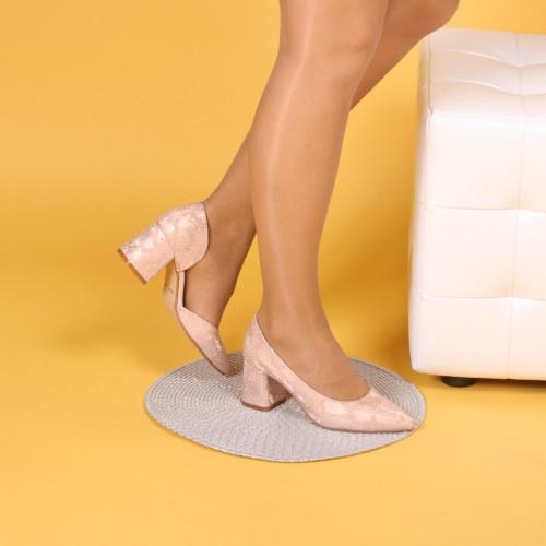 Женские туфли из натуральной кожи пудрового цвета