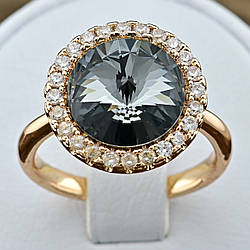 Кольцо Xuping с кристаллами Swarovski 83187 размер 19 ширина 15 мм цвет серебряная ночь позолота 18К