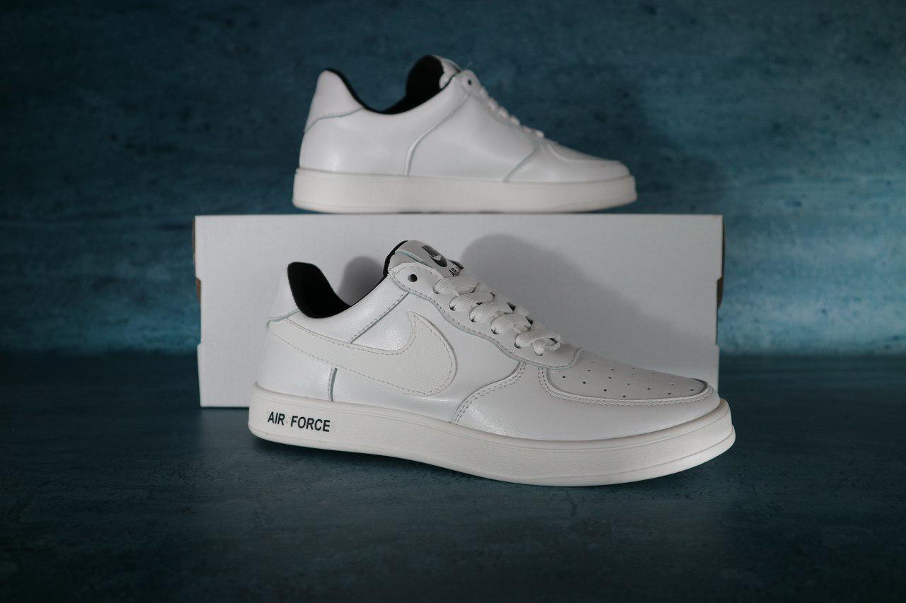 Женские кожаные кроссовки Nike Air Force,белые