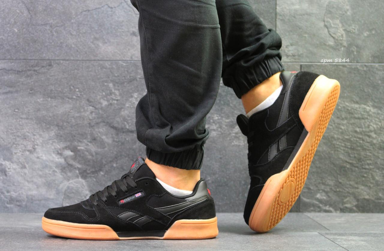 Мужские кроссовки Reebok,замшевые,черные 44р