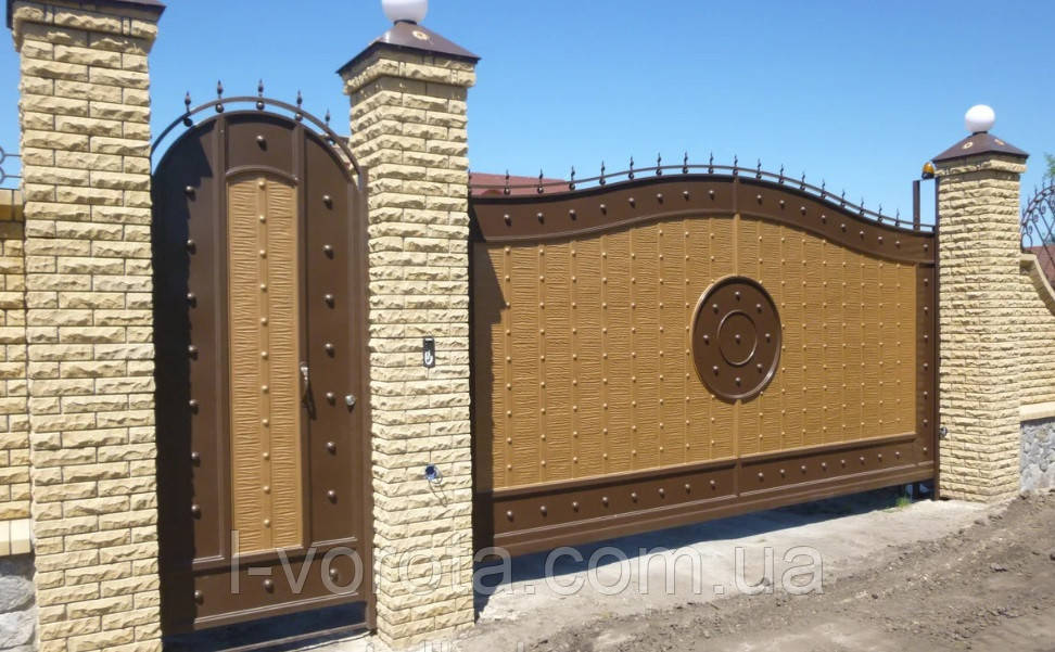 Консольные кованые ворота 3500 на 2400 и калитка 1000 на 2400 (эффект жатки)