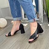 Женские кожаные черные босоножки на устойчивом каблуке, фото 2