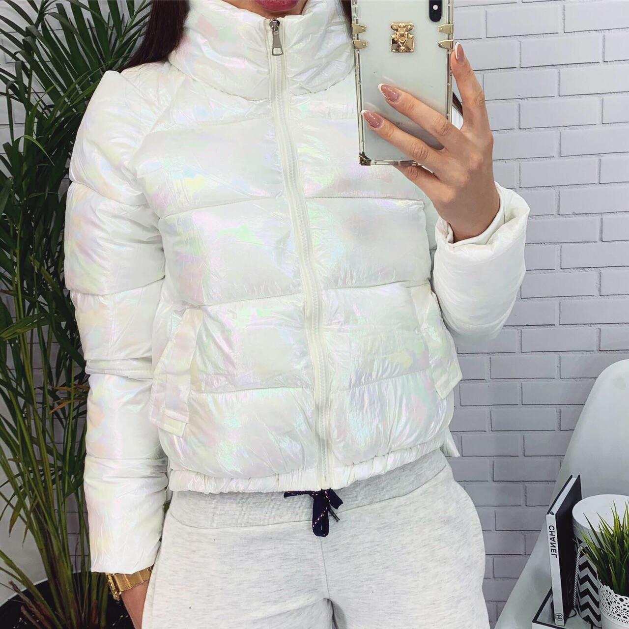 Женская короткая куртка на холофайбере и на молнии с высоким горлом (42-46) Белый