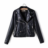 Женская кожаная куртка косуха в черном и молочном цвете 68mku283