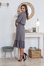 Платье серое женское летнее средней длины с бантиком батал цветы на сером, фото 2