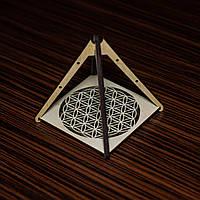 Гармонизатор пространства Пирамида Цветок жизни 10х10 см