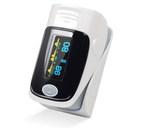 Пульсоксиметр  пальцевой на батарейках. Портативный измеритель пульса и уровня кислорода в крови.