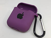 Силиконовый чехол для AirPods 1 2 с карабином и заглушкой фиолетовый