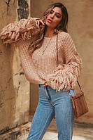 Объёмный тёплый свитер с пушистыми рукавами бежевый