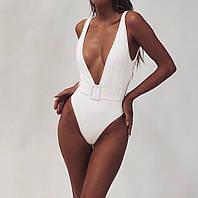 Слитный купальник женский с глубоким декольте