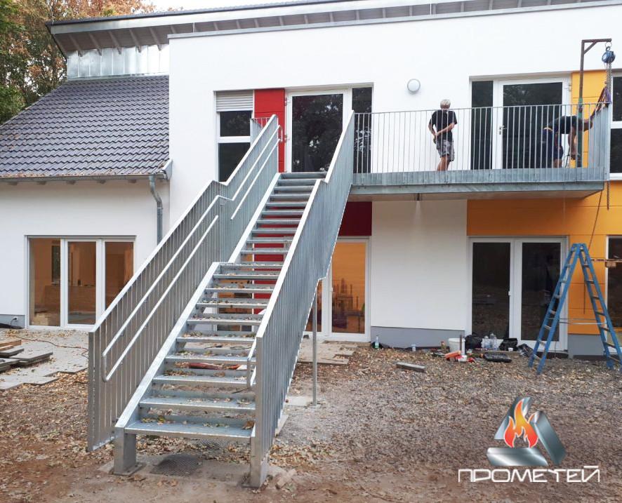 Перила та огорожі сходів для дитячих установ з нержавіючої сталі