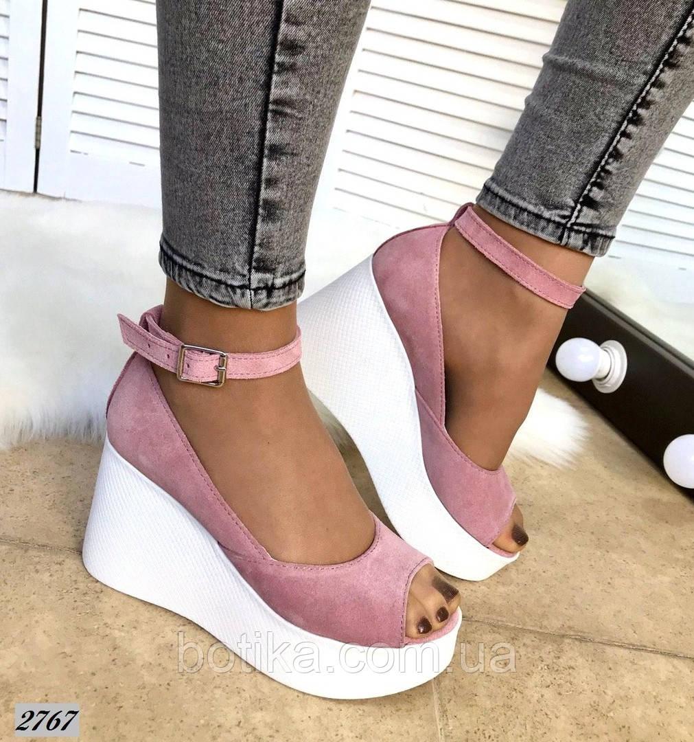 Стильные женские туфли на платформе