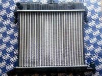 Радиатор Opel Omega A 1.8-2.0 86-94г. мех.400*495 с заливной горловиной