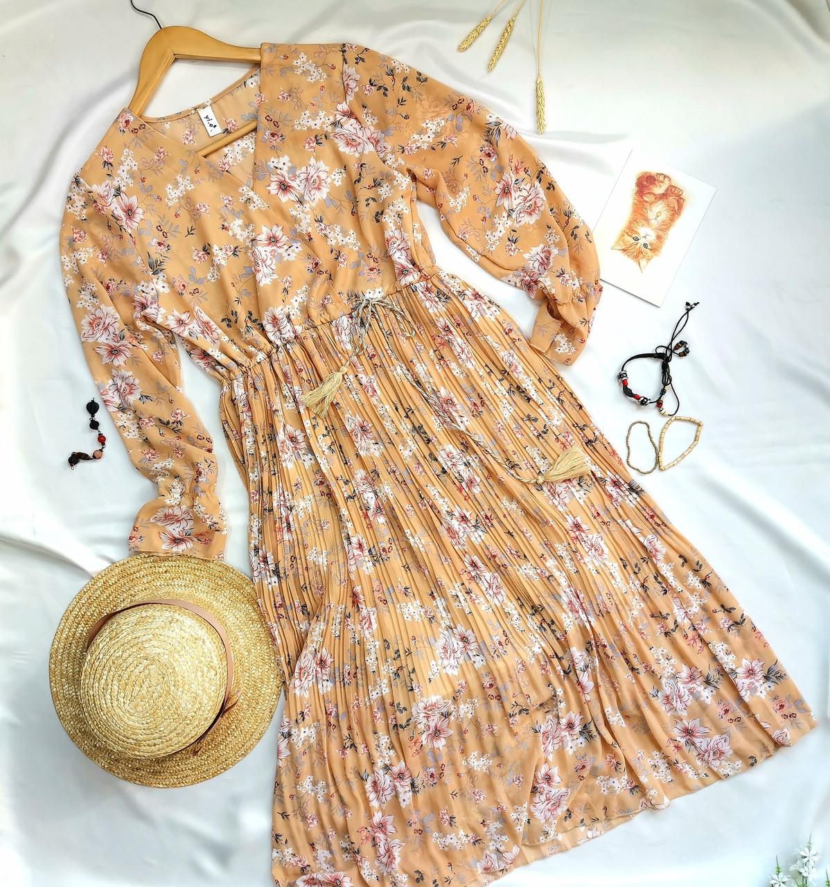 Женское платье оранжевое с цветочным принтом