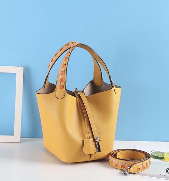 Стильная маленькая женская сумка. Модель 485