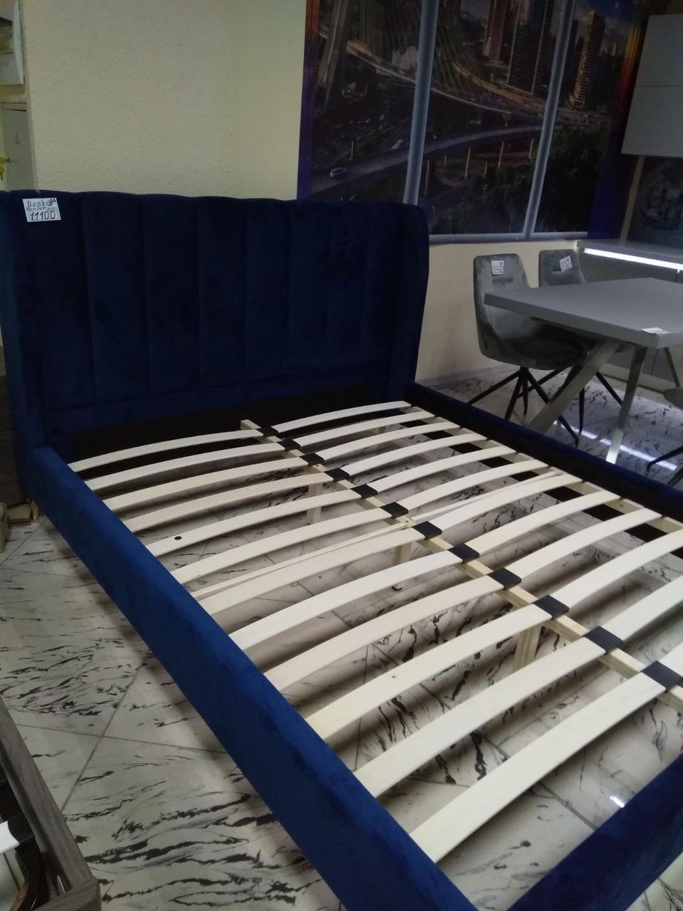 Кровать с мягким изголовьем Лея 1,6х2м синий бархат от Frisco