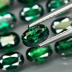 Натуральный зеленый топаз  4 х 6  mm