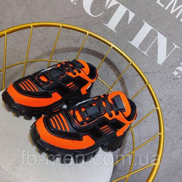 Оранжевые кроссовки Prada на массивной подошве