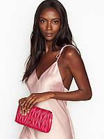 Клатч Victoria's Secret малинового кольору