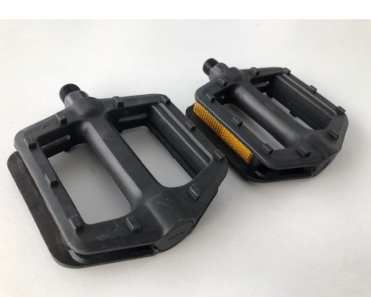 Комплект пластиковых педалей для велосипеда  №23 черный