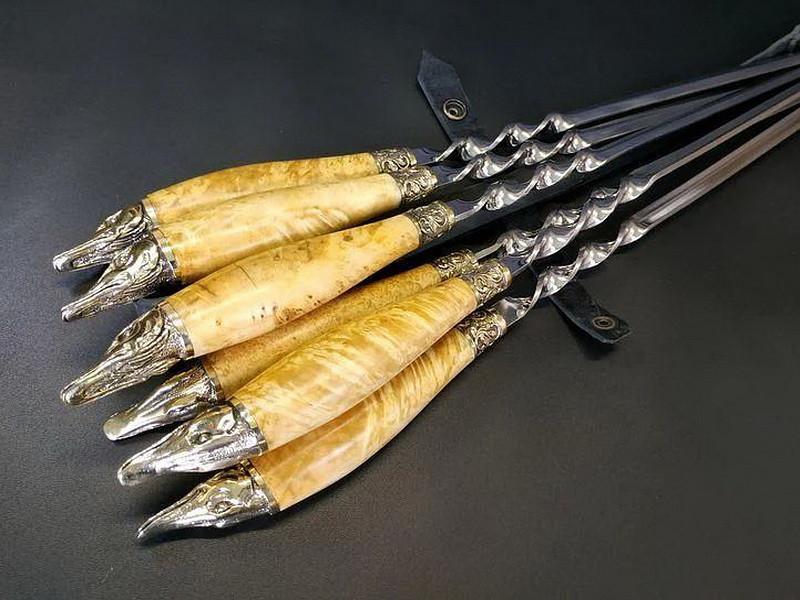"""Подарочный набор шампуров с деревянными ручками """"Щука"""" в кожаном колчане"""