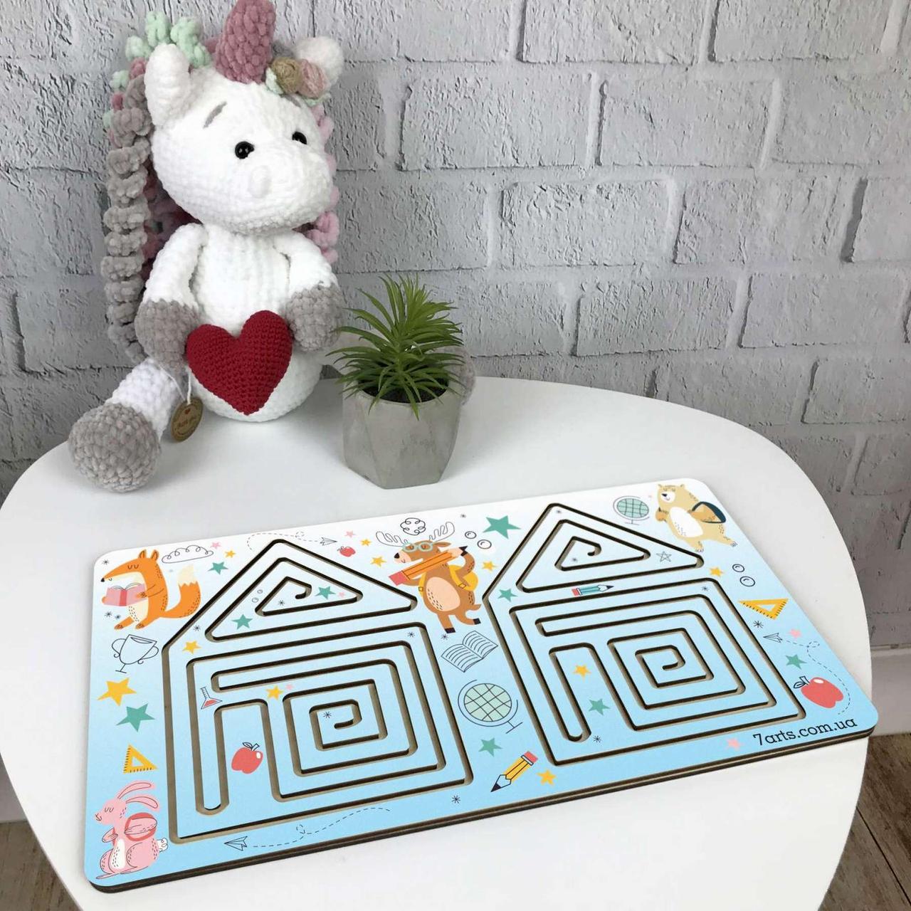 Цветная межполушарная доска-лабиринт из дерева для детского развития «Домик»