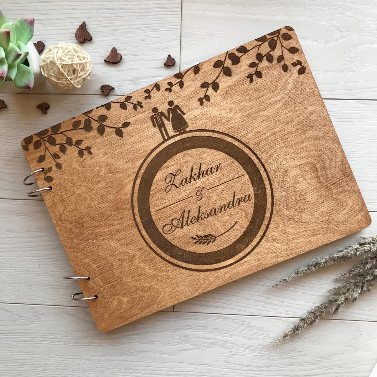 Свадебный деревянный альбом для фото и пожеланий с гравировкой