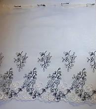 Вышивка на  сетке эластичная ,ширина 21см, цвет белый с черным и белым цветком, Италия