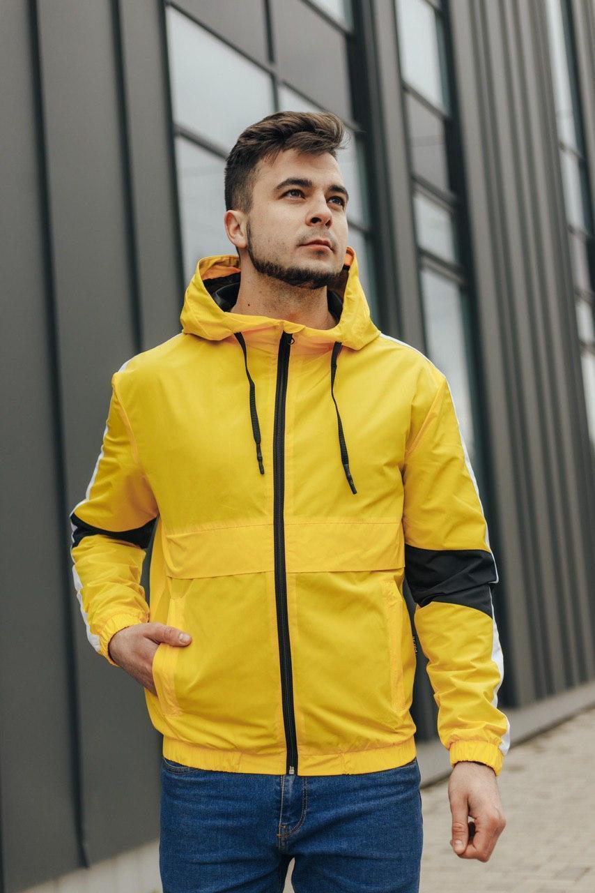 Чоловіча вітровка жовта 070