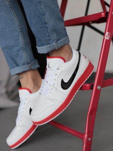 Мужские белые стильные кроссовки Nike Air Jordan