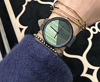 Стильные женские наручные часы с имитацией под дерево «Wood watch» в сером цвете