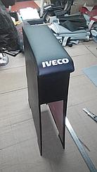 Подлокотник Iveco с вышивкой кожзам
