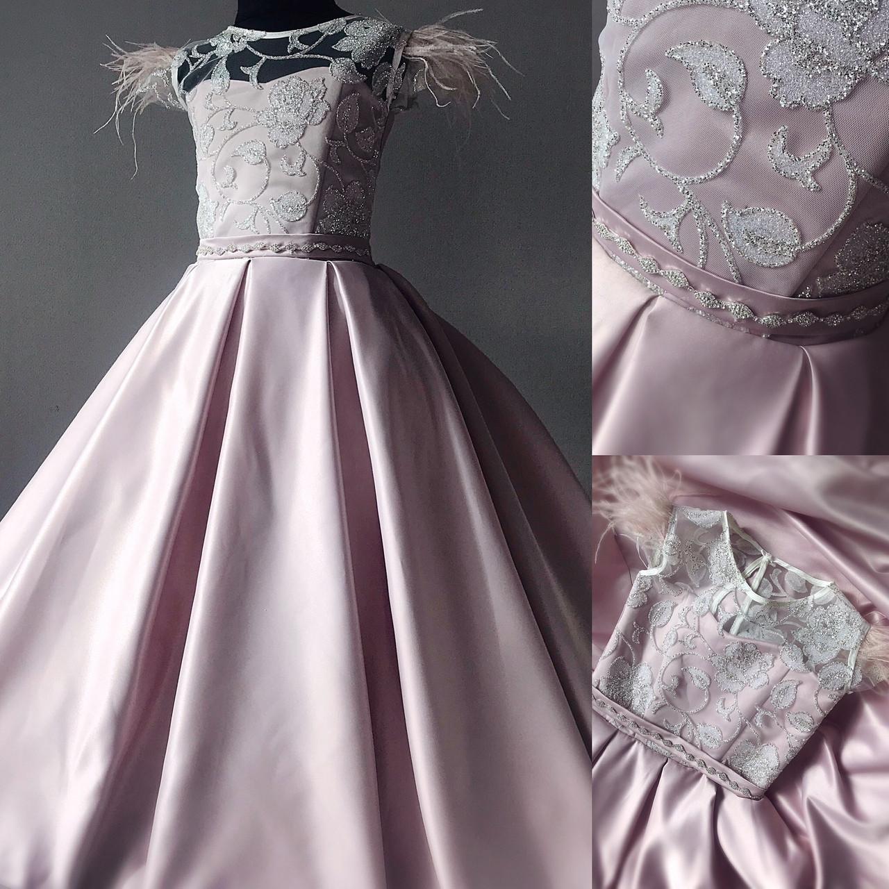 Детское Атласное платье с перьями размер 36