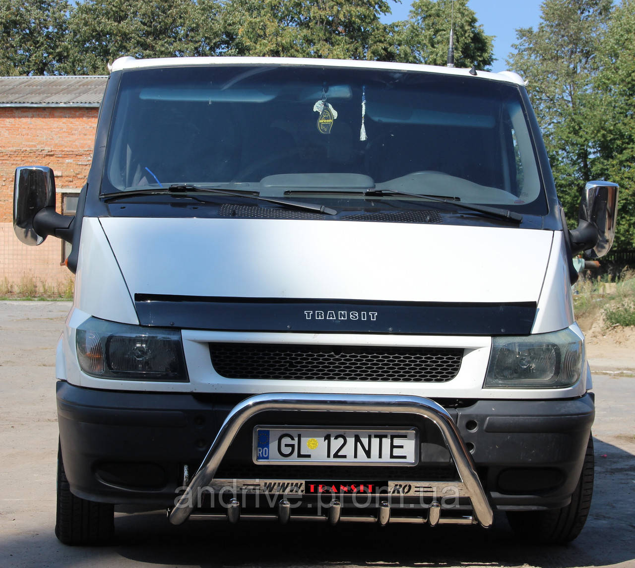 Кенгурятник (защита переднего бампера) Ford Transit 2000-2006