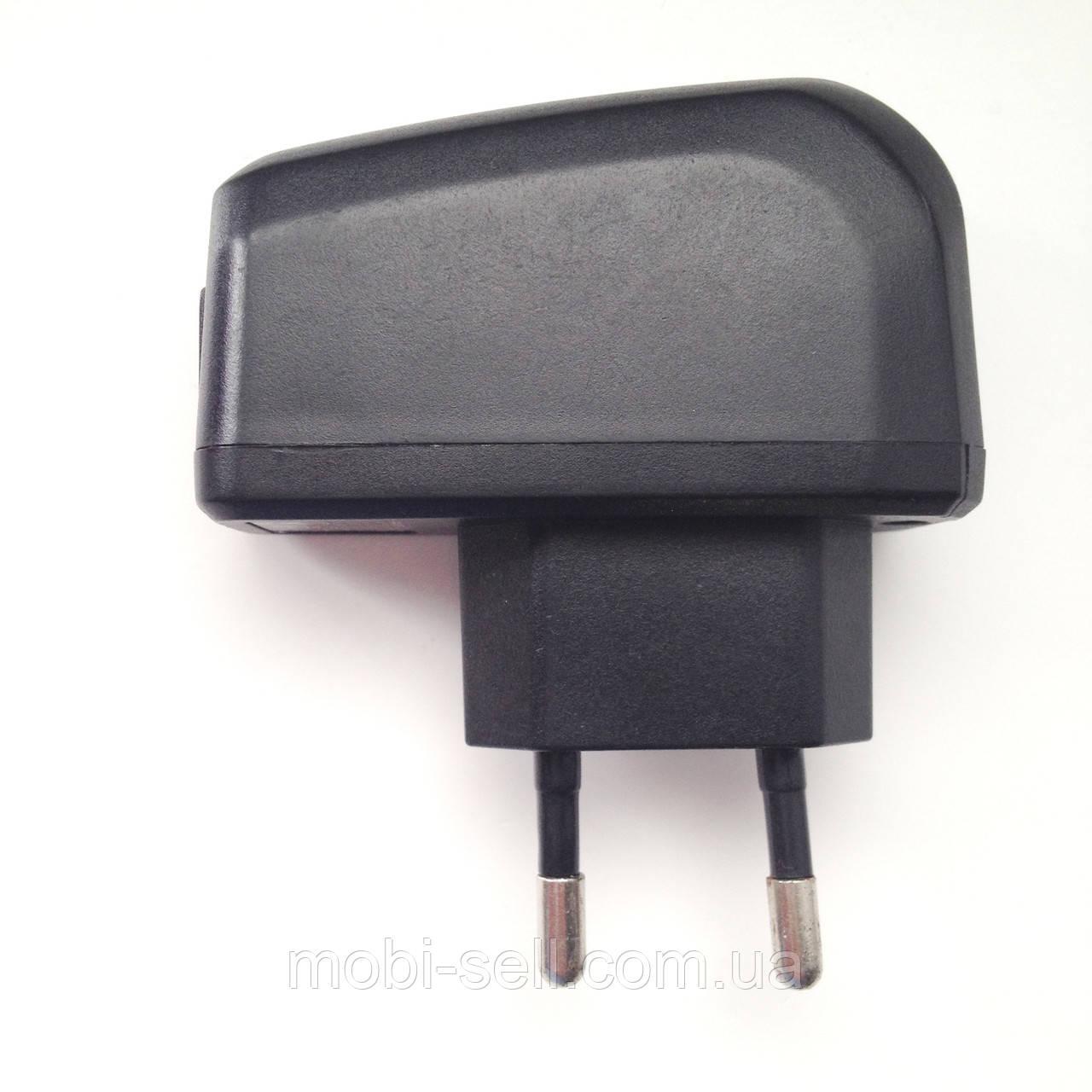 Б/У Зарядное устройство Bravis Next 5V / 0.5A / USB универсальное (Китай)