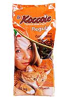 Корм для взрослых кошек Le Koccole Regular с красным мясом 20 кг