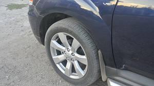Передние брызговики для Mitsubishi Outlander XL (07-) с порогами